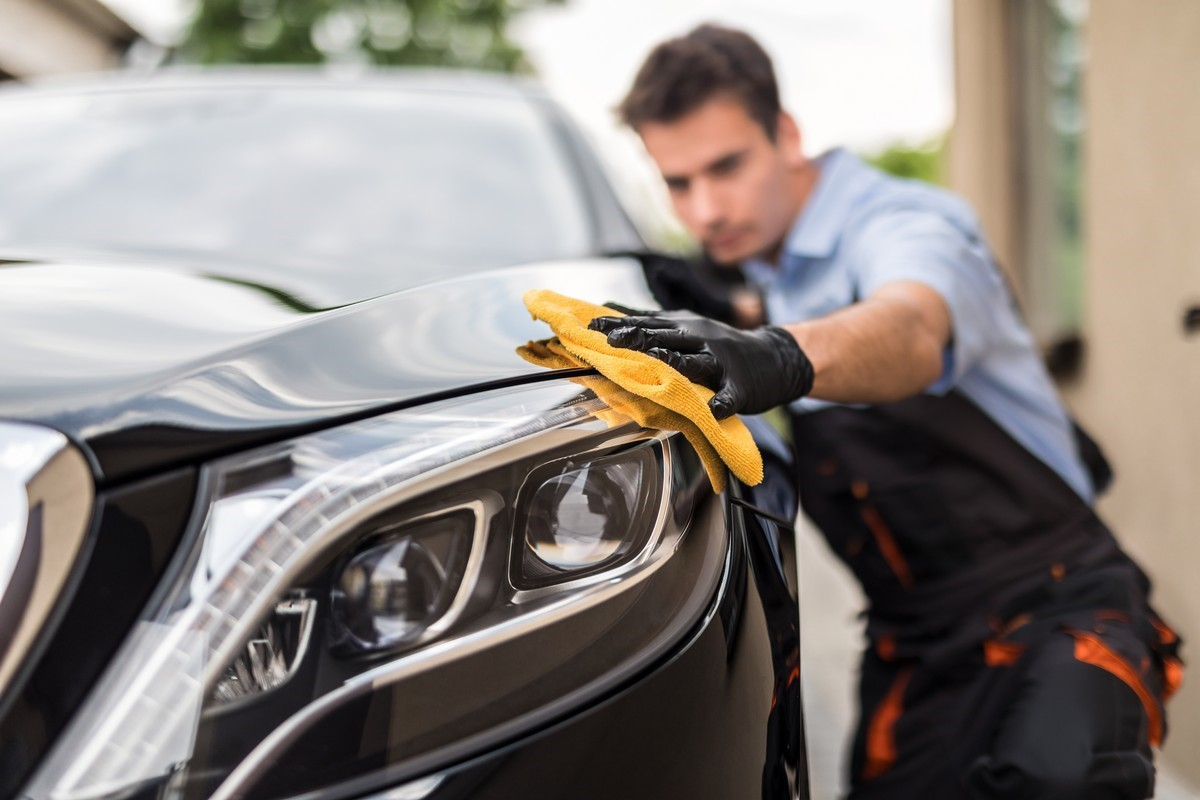 Car Wax: When and How to Use It at Your Commercial Car Wash