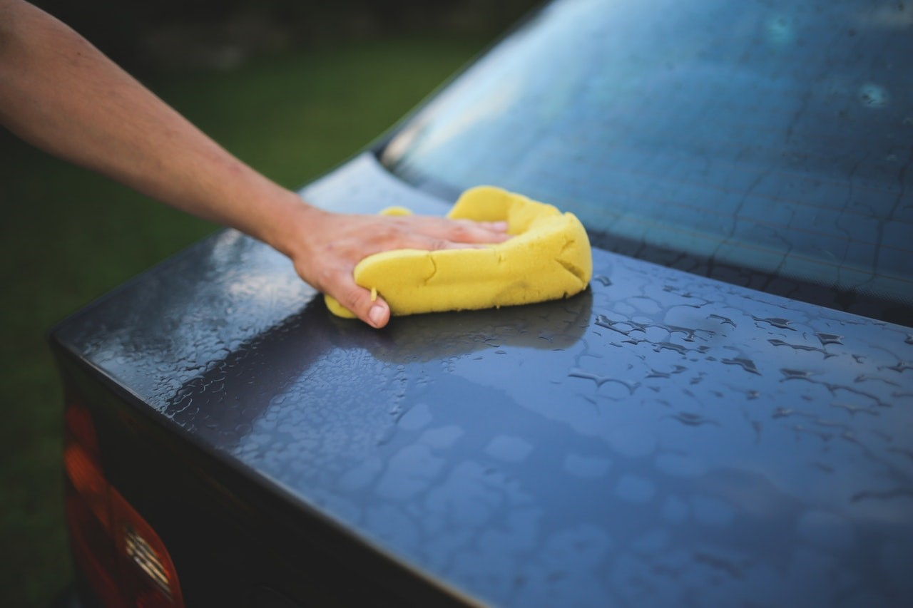 4 Benefits of Selling Car Wash Vending Machine Supplies at Your Car Wash