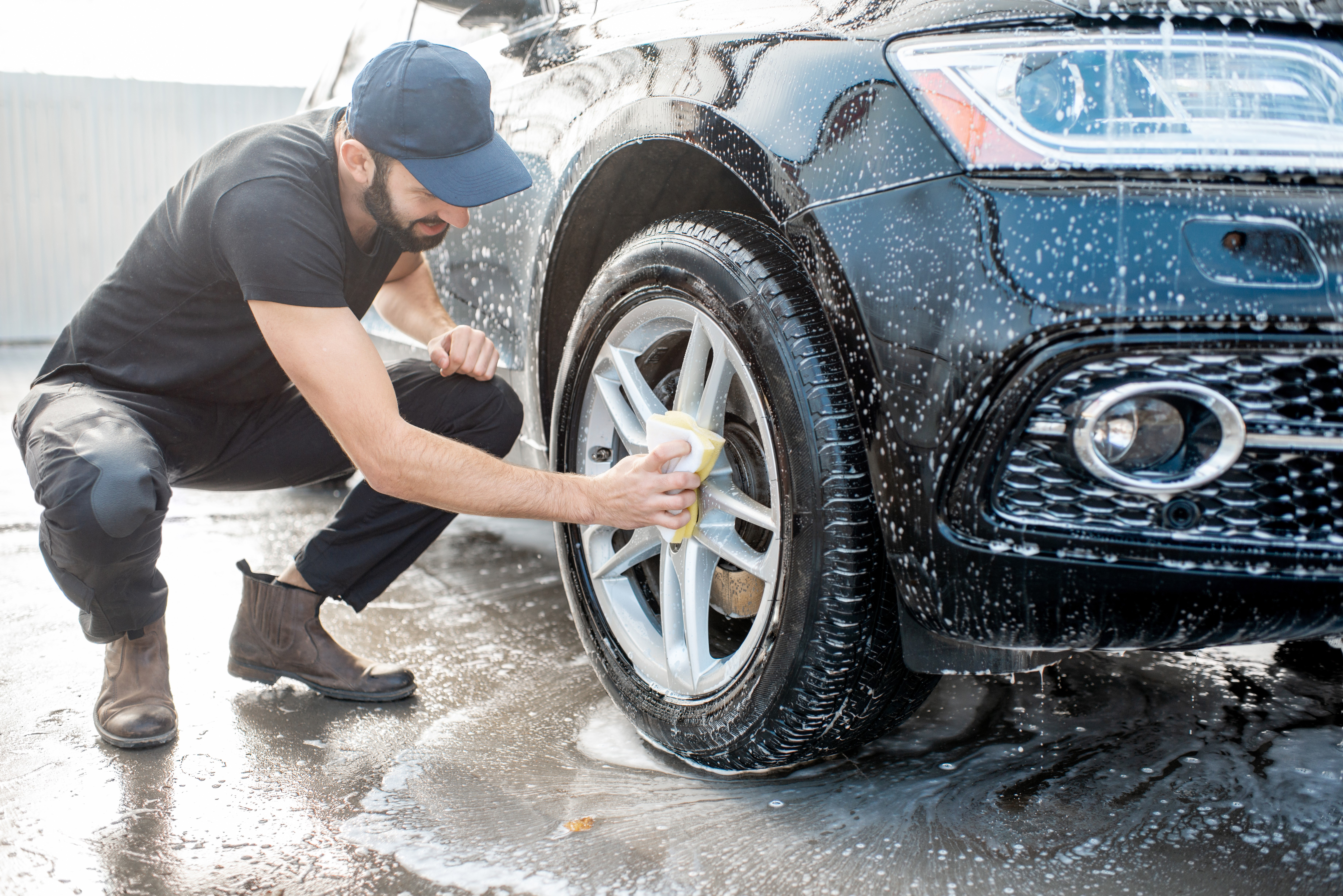 Tips for Cleaning Aluminum Wheels and Tires to Keep Them Looking Great